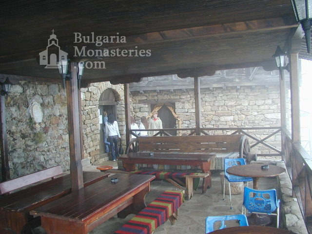 Гложенски манастир (Снимка 16 от 33)