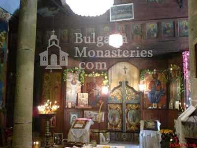 Голямобуковски манастир - Олтарът в църквата (Снимка 7 от 7)