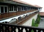 Горноводенски манастир - Изглед от жилищната сграда
