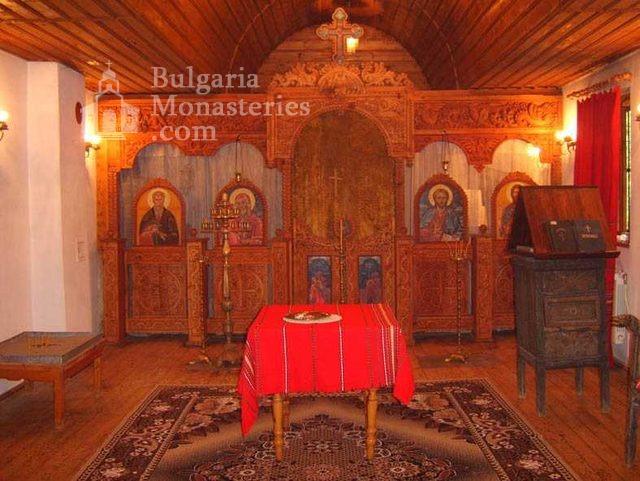Градешки манастир - Иконостасът в църквата (Снимка 12 от 16)