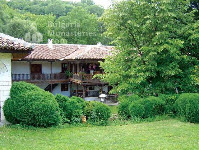 Градешки манастир - Жилищната сграда (Снимка 9 от 16)