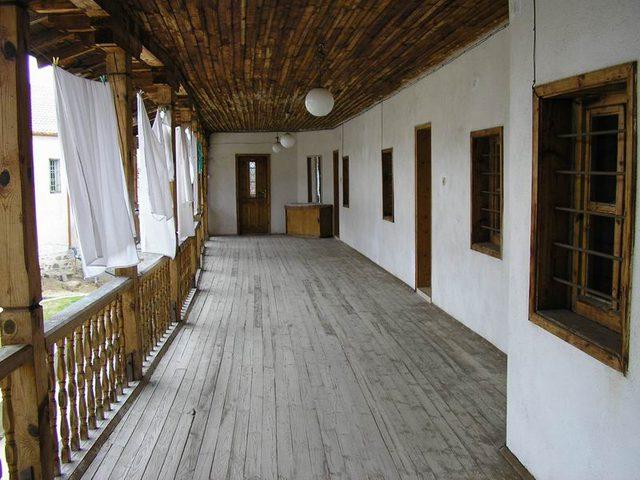 Хаджидимовски манастир - Коридорът към килиите (Снимка 7 от 7)