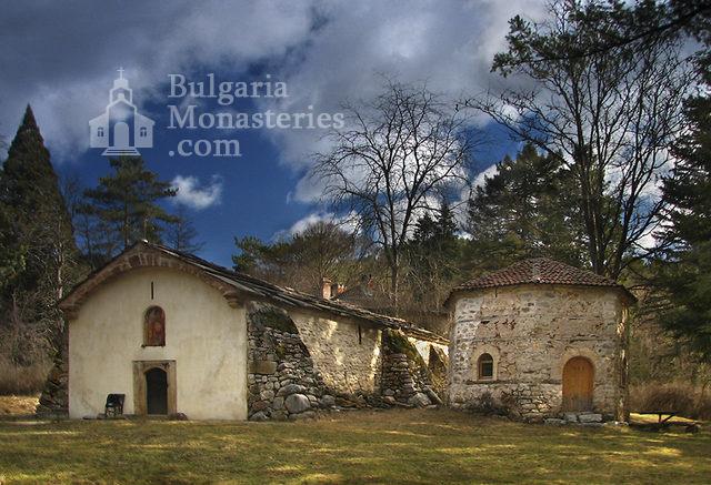 Искрецки манастир (Снимка 1 от 2)