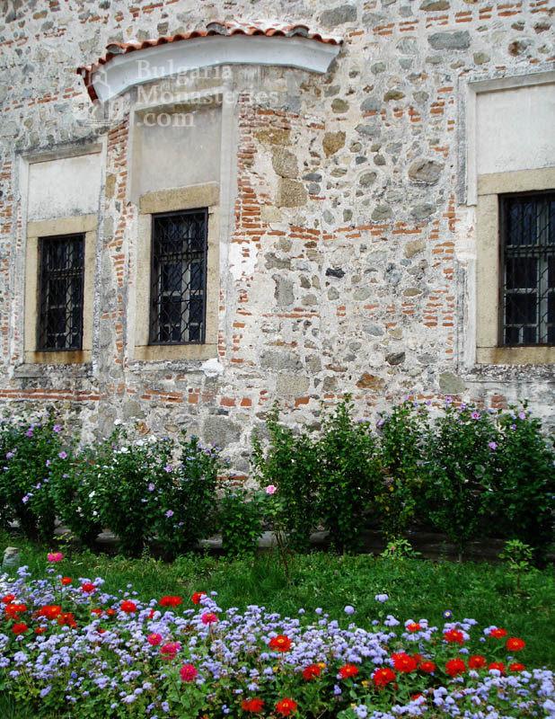 Калоферски манастир (Снимка 2 от 4)