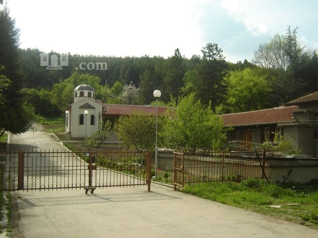 Каранвърбовски манастир (Снимка 1 от 26)