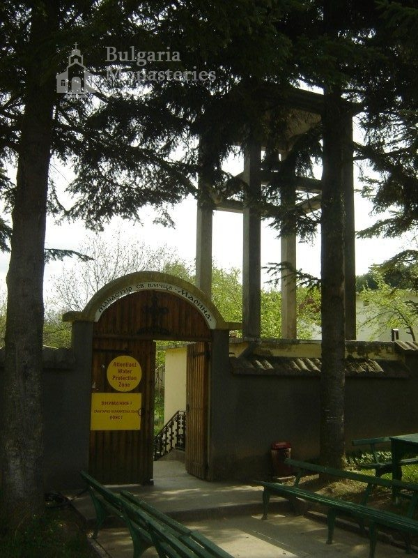 Каранвърбовски манастир (Снимка 6 от 26)