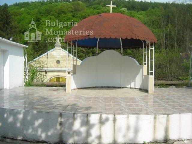 Каранвърбовски манастир (Снимка 12 от 26)