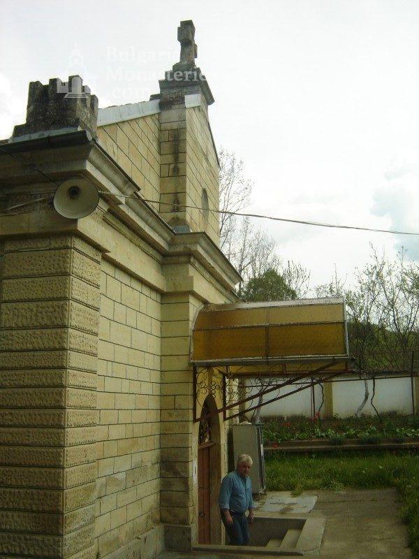 Каранвърбовски манастир (Снимка 15 от 26)