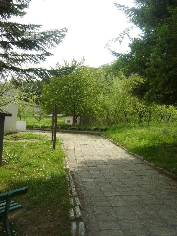 Каранвърбовски манастир - Църквата (Снимка 4 от 26)