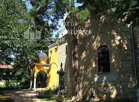 Казанлъшки манастир - Комплексът от вътре (Снимка 6 от 8)
