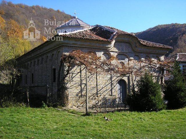Килифаревски манастир  - Църквата