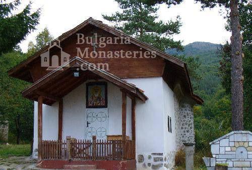 Кладнишки манастир (Снимка 1 от 16)