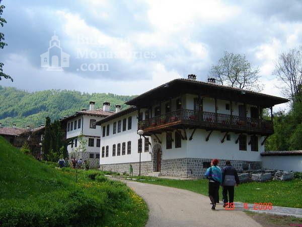 Клисурски манастир (Снимка 1 от 34)