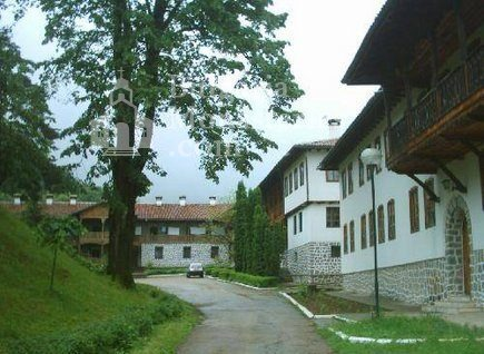 Клисурски манастир (Снимка 15 от 34)