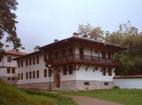 Клисурски манастир - Жилищна сграда