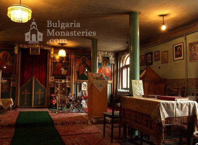 Копривецки манастир - Олтарът в църквата (Снимка 9 от 18)