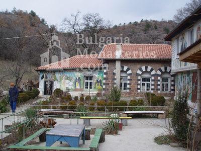Курилски манастир - Манастирската църква (Снимка 5 от 21)