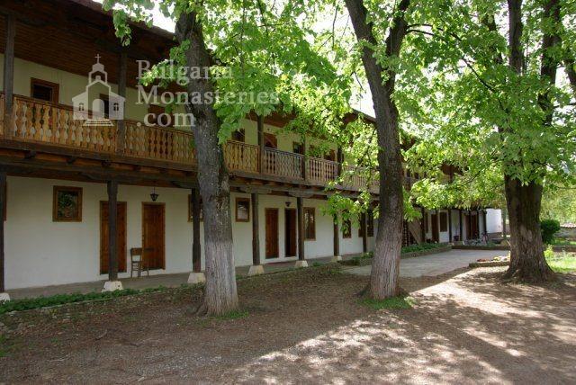 Лопушански манастир - Жилищната сграда (Снимка 17 от 23)