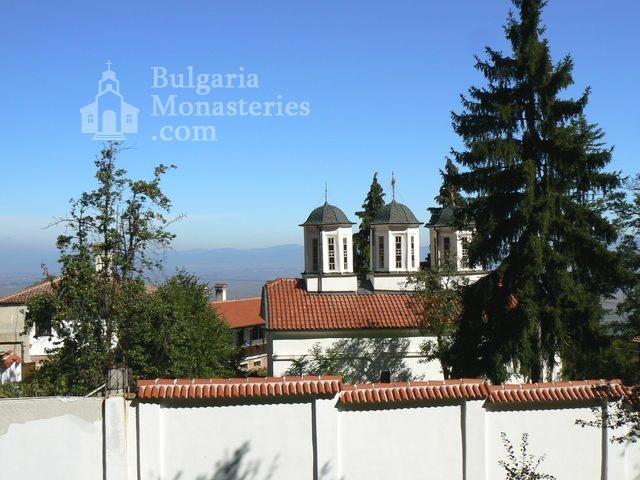 Лозенски манастир (Снимка 1 от 15)