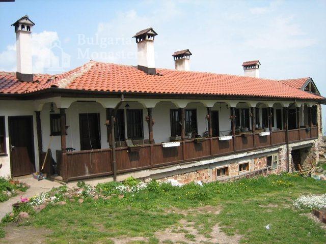 Лозенски манастир - Жилищната сграда (Снимка 13 от 15)