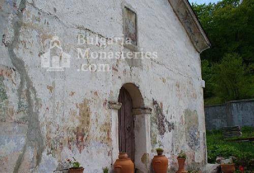 Лозенски манастир - Църквата