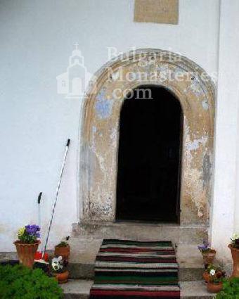 Лозенски манастир - Входът на църквата (Снимка 5 от 15)