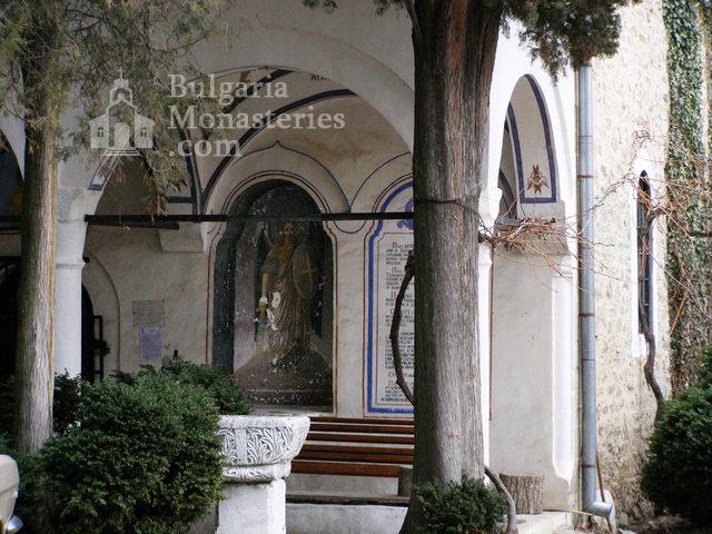 Мъглижки манастир (Снимка 7 от 14)