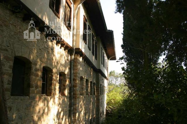 Мъглижки манастир - Комплексът от вътре (Снимка 5 от 14)