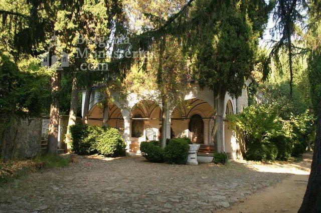Мъглижки манастир - Църквата (Снимка 2 от 14)