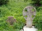 Маломаловски манастир - Кръстове пред църквата
