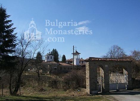 Мердански манастир - Комплексът (Снимка 2 от 7)