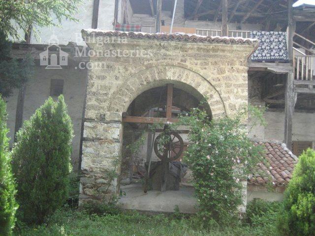 Мулдавски манастир - Манастирът от вътре (Снимка 9 от 31)