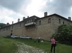 Мулдавски манастир - Манастирските стени