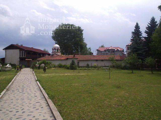 Обрадовски манастир (Снимка 1 от 18)