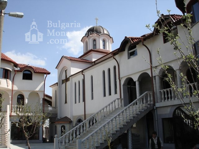 Обрадовски манастир - Жилищните сгради (Снимка 8 от 18)