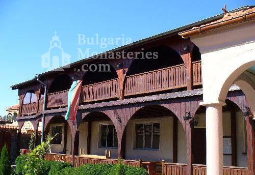 Обрадовски манастир - Жилищните сгради (Снимка 16 от 18)