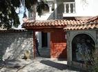 Обрадовски манастир - Манастирският вход