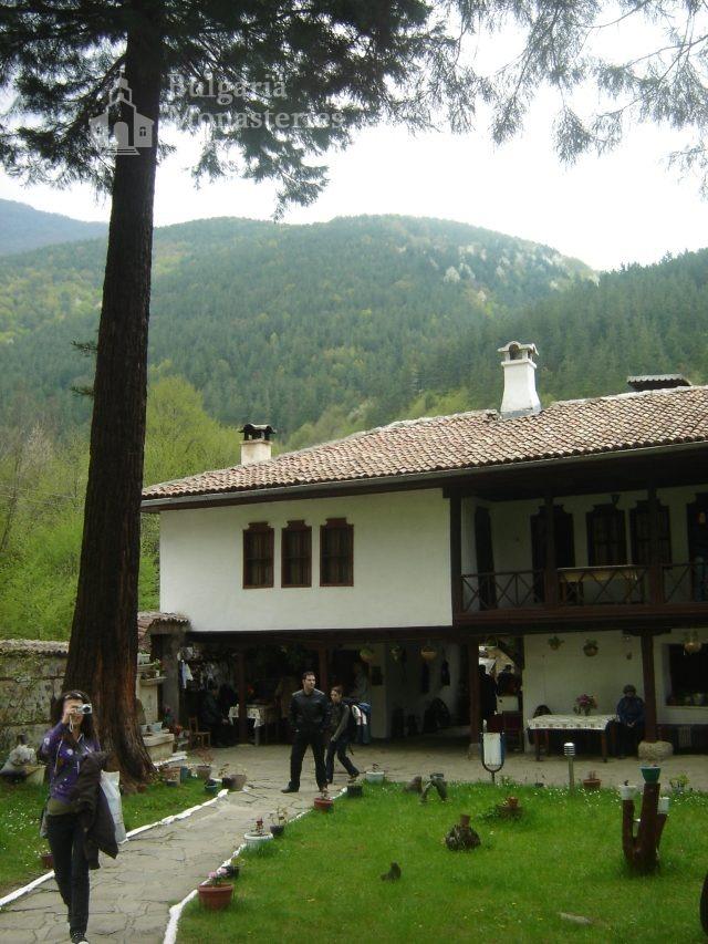 Осеновлашки манастир (Снимка 12 от 27)