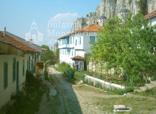 Патриаршески манастир - Комплексът от вътре (Снимка 12 от 23)