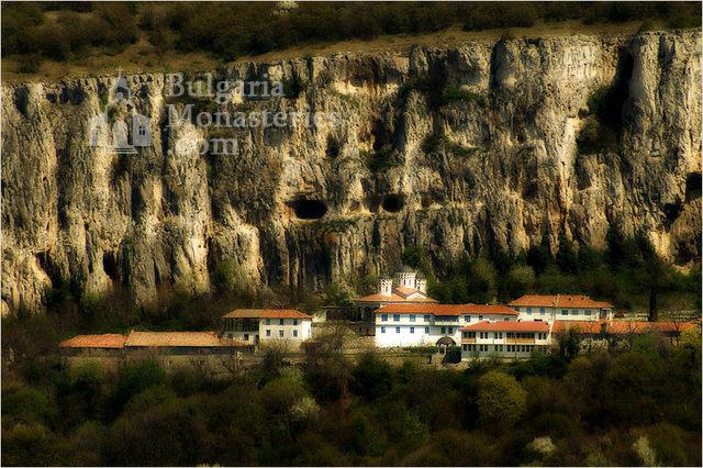 Патриаршески манастир - Патриаршеският манастир (Снимка 1 от 23)
