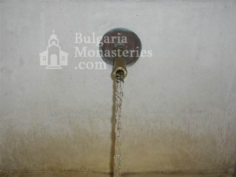 Поморийски манастир - Чучура на аязмото (Снимка 23 от 24)