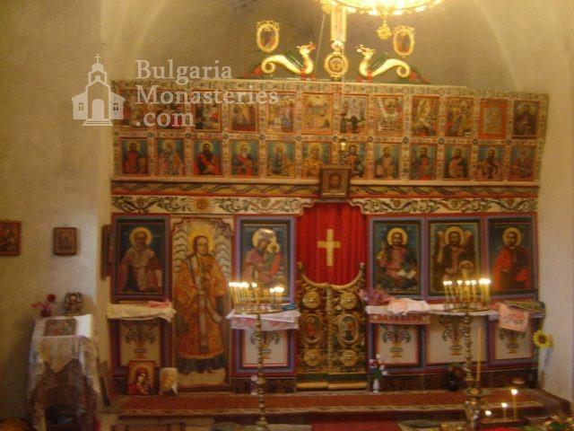 Правешки манастир - Иконостасът (Снимка 15 от 21)