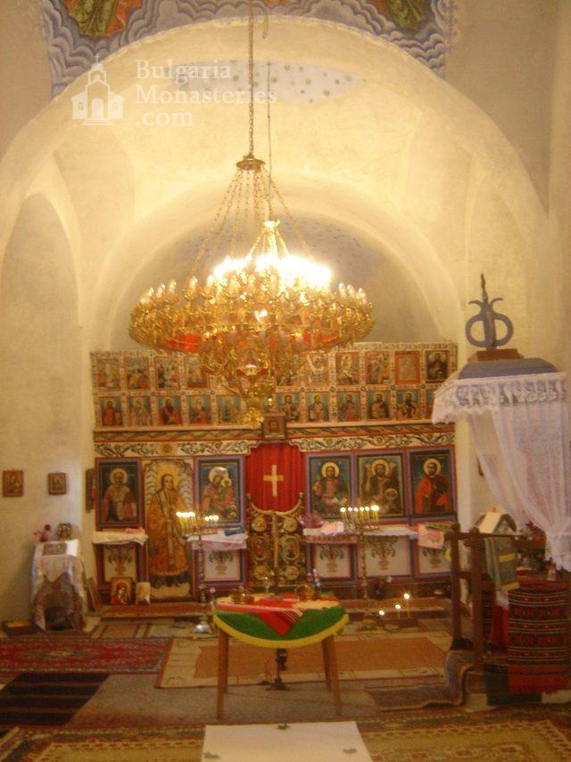 Правешки манастир - Иконостасът (Снимка 20 от 21)
