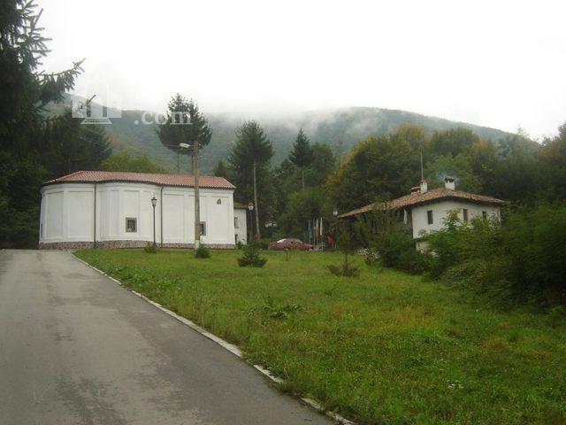 Правешки манастир - Жилищната сгради (Снимка 4 от 21)