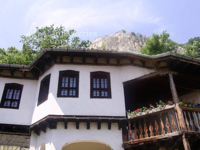 Преображенски манастир - Жилищна сграда (Снимка 16 от 29)