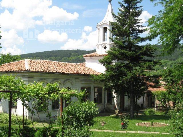 Присовски манастир - Комплексът от вътре (Снимка 14 от 16)