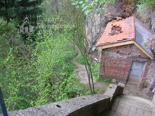 Разбоишки манастир (Снимка 2 от 27)