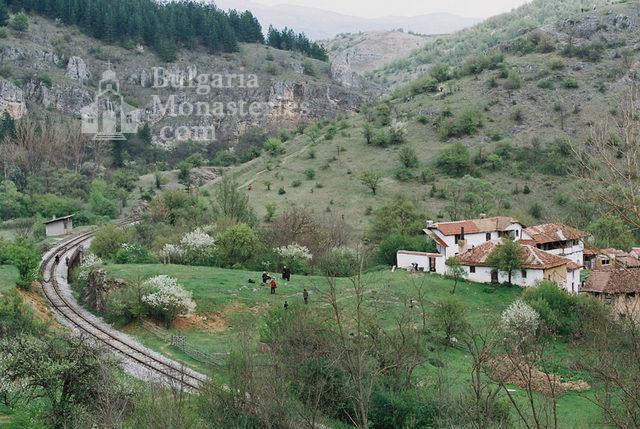 Разбоишки манастир (Снимка 12 от 27)