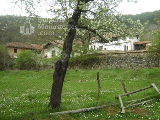 Разбоишки манастир (Снимка 22 от 27)