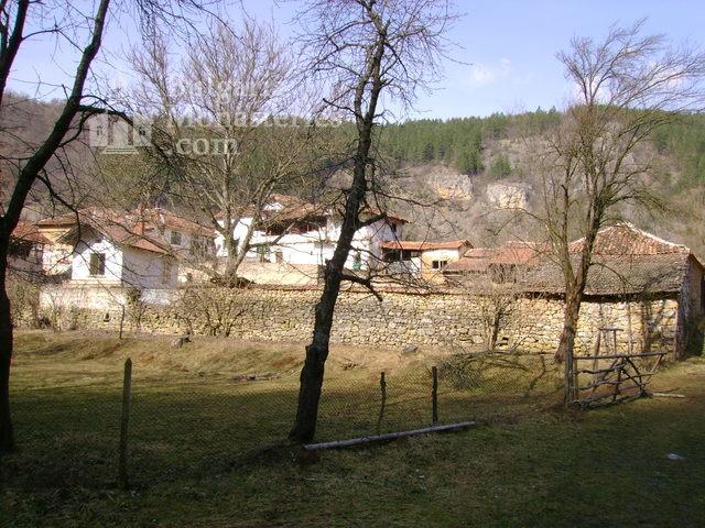 Разбоишки манастир - Манастирските сгради (Снимка 6 от 27)